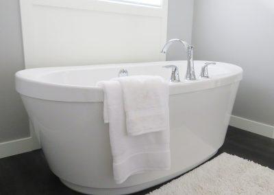 Kylpyhuoneiden pinnoitus